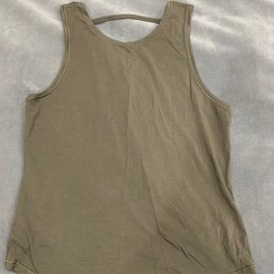 Lululemon Forest Green top, size 6
